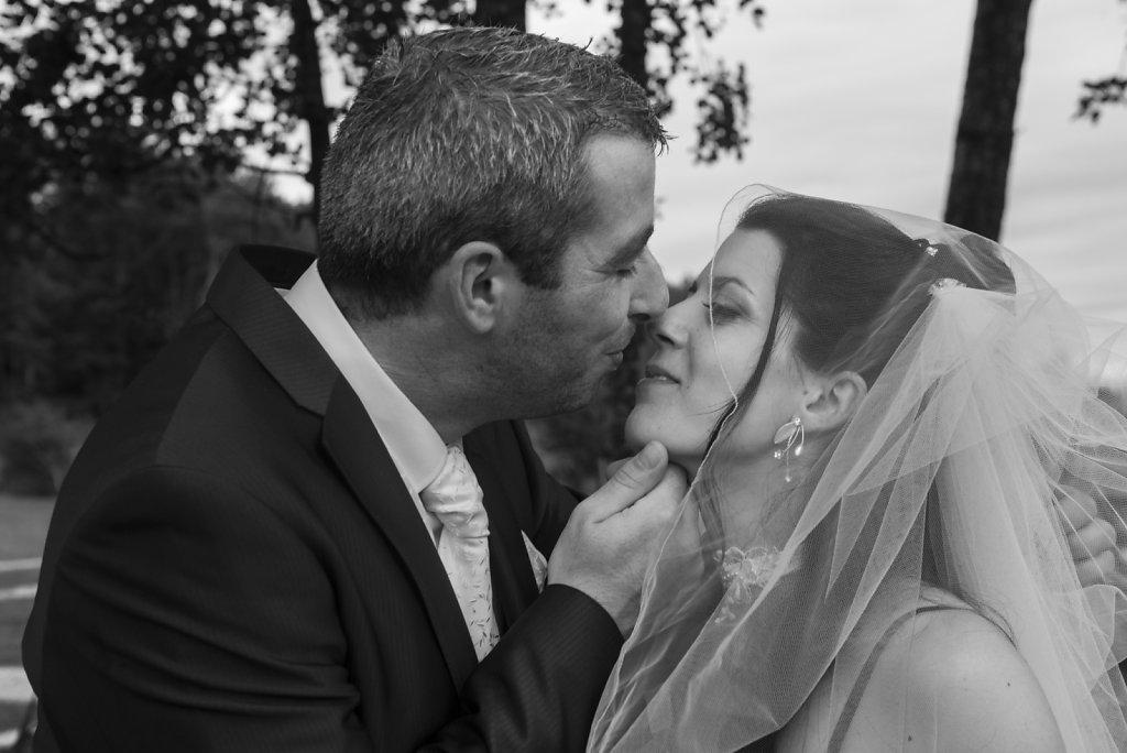 Les jeunes filles fleurissent et les mariages éclosent